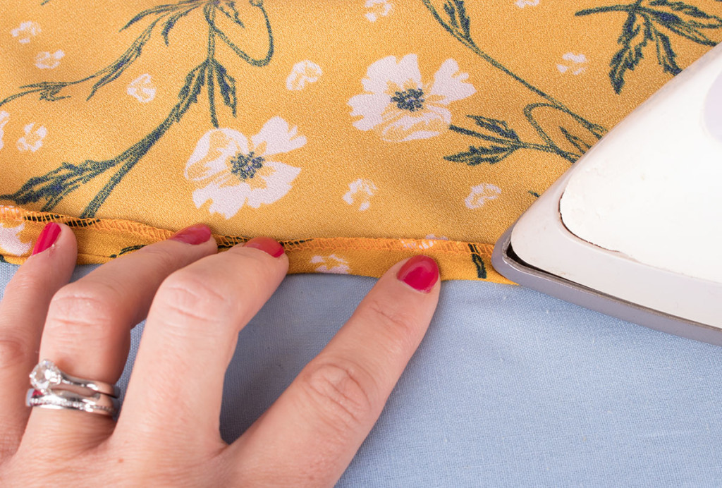 Sewing a Neckline with Bias Binding - Not Visible