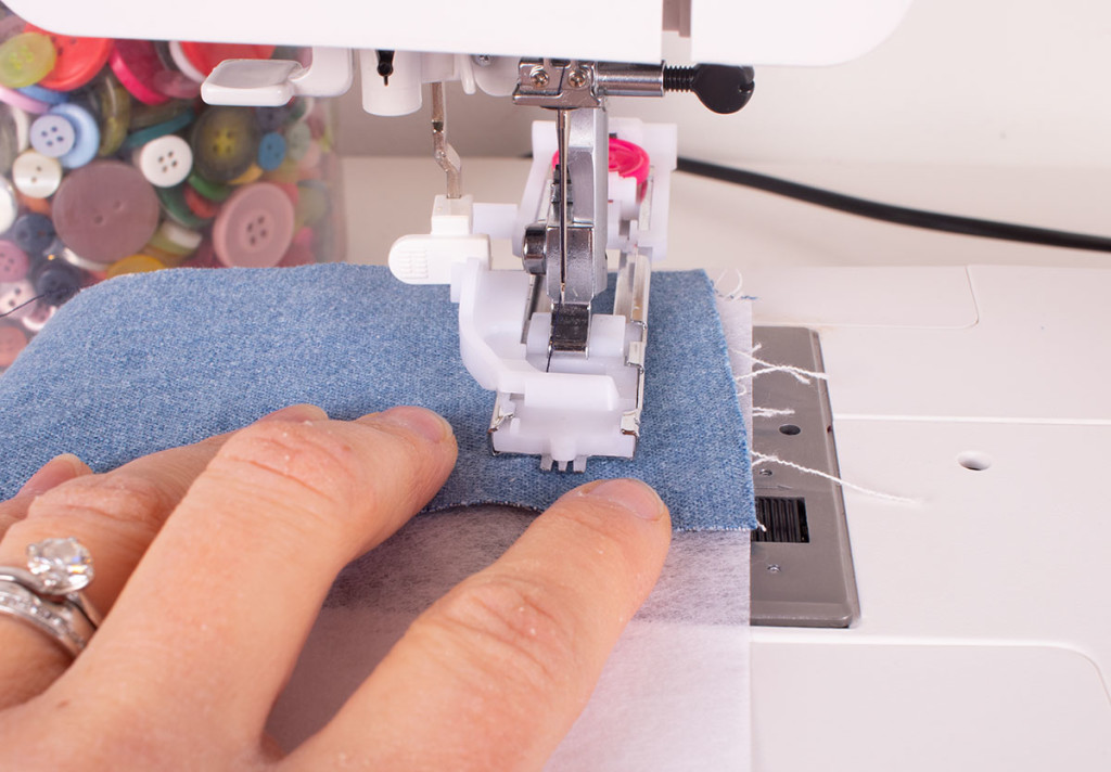 Sewing an automatic buttonhole