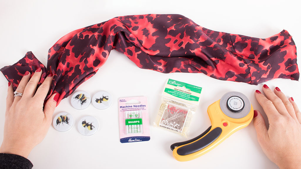 Sewing tools for slippery fabrics